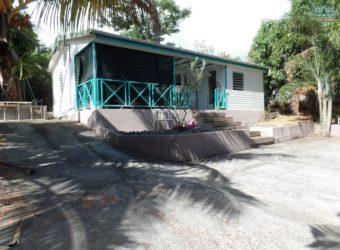 Coquette villa F3 de plain-pied, Etang Salé