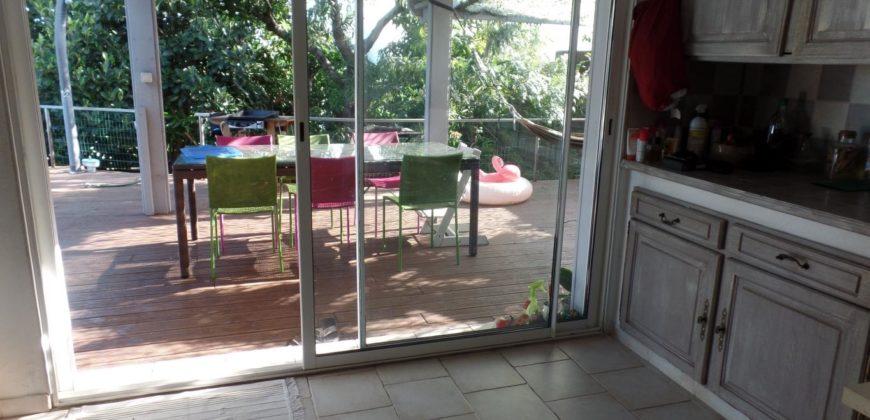 Agréable villa F5, Etang Salé