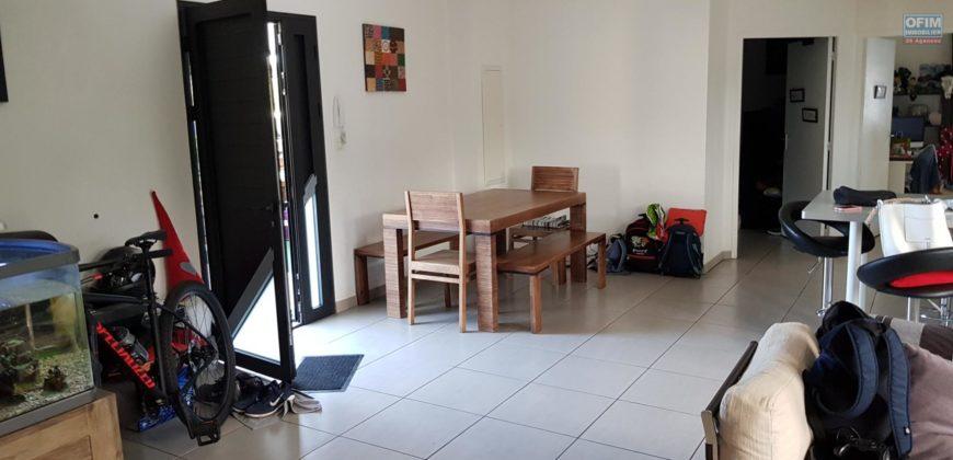 Agréable appartement F4, Etang Salé