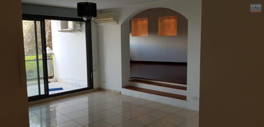 Appartement F4 au rez de chaussée, Etang salé