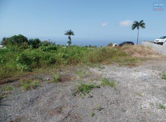 Terrain de 614 m2 avec vue mer, Etang Salé