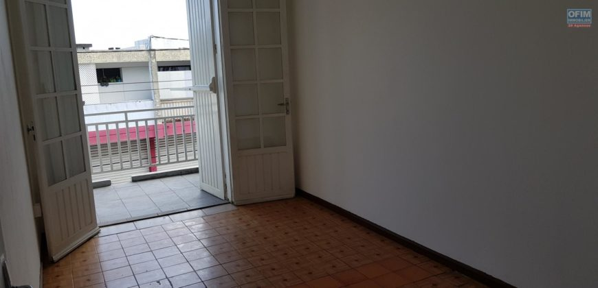 Appartement F2 avec balcon, Saint Louis