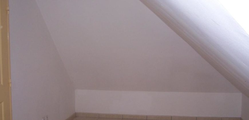 Coquet appartement F2, Tampon