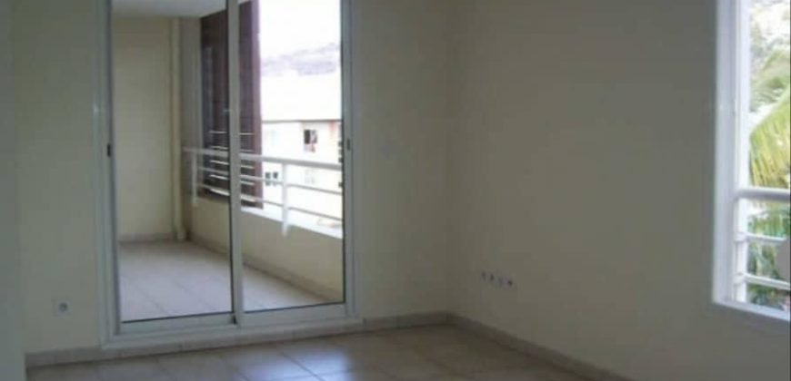 Bel appartement F2, La Possession