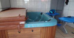 Jolie maison F5 avec grande piscine, Etang Salé