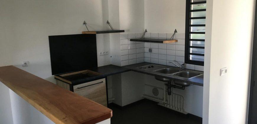 Appartement F4 centre ville, Etang Salé les Hauts