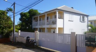 Spacieux appartement F3, l'Eperon St Gilles Hauts