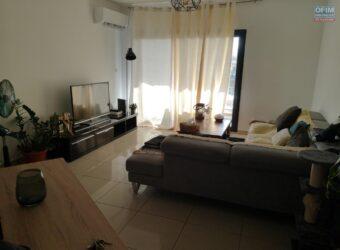 Bel appartement F3 avec varangue, Sainte Clotilde