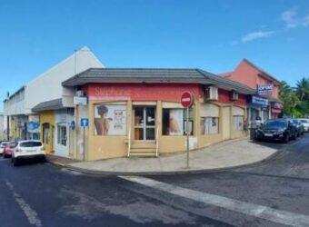 Local commercial en plein centre-ville, Saint Joseph.