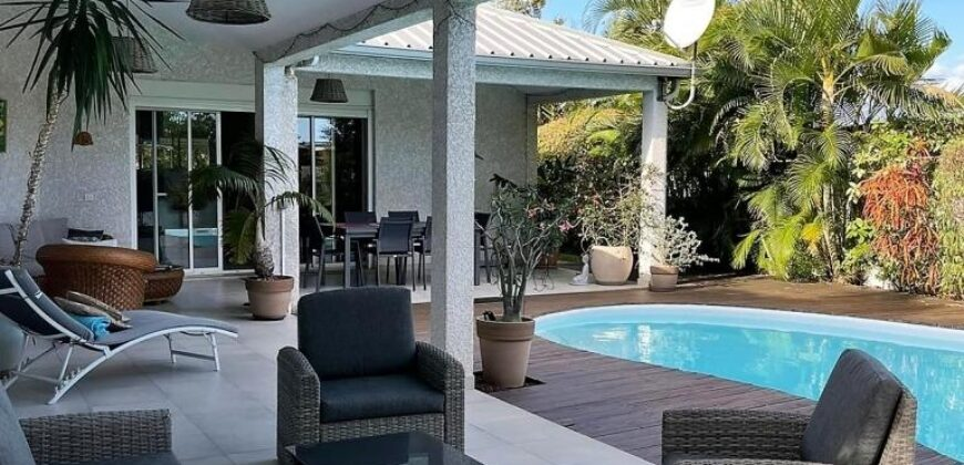 Grande villa avec piscine et jardin sans vis-à-vis, Etang Salé